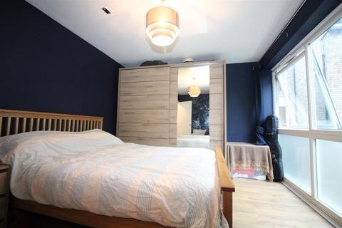 2 bedroom flat to rent - Talbot Road, London
