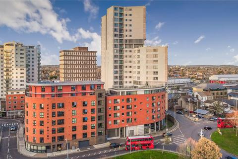 2 bedroom apartment for sale - Raphael House, 250 High Road, Ilford, IG1