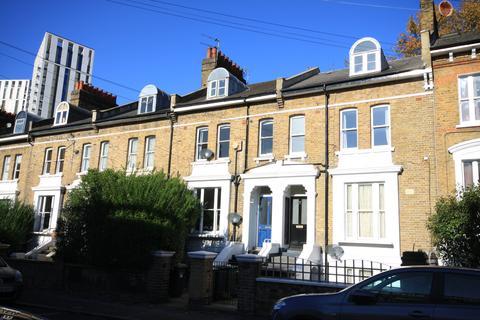 2 bedroom flat for sale - Cressingham Road, London SE13
