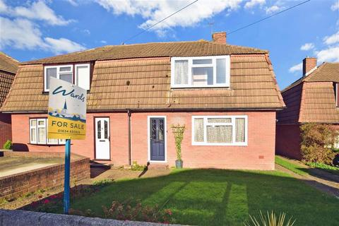 3 bedroom semi-detached house for sale - Trevale Road, Rochester, Kent
