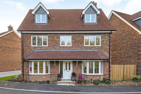 5 bedroom detached house for sale - Knockhall Road Greenhithe DA9