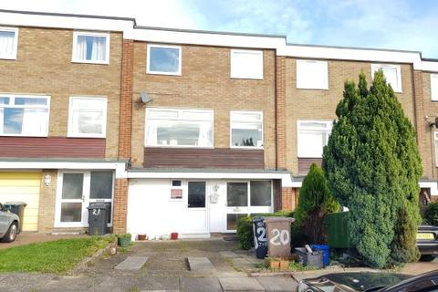Studio to rent - St Joseph's Close, Luton LU3