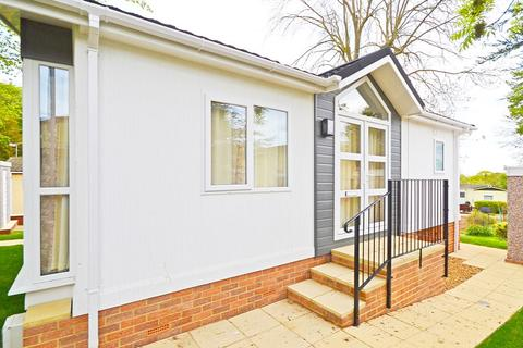 1 bedroom park home for sale - Chelmsford, Essex, CM2