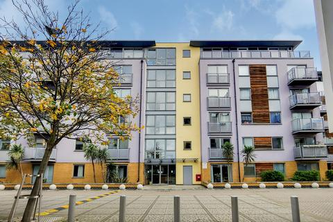 1 bedroom flat - Deals Gateway, London, SE13 7QF
