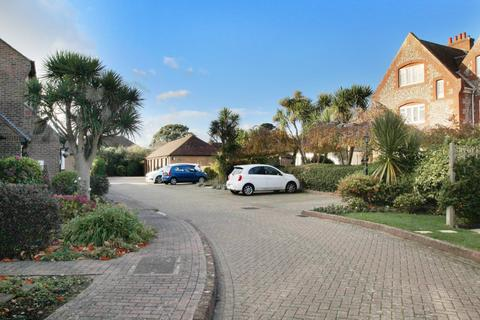 2 bedroom apartment for sale - Sea Lane Close, East Preston, West Sussex
