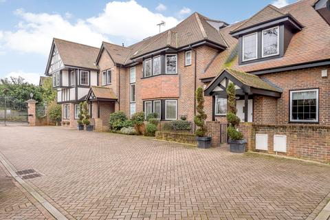 2 bedroom penthouse for sale - Buckley Court, 375 Cockfosters Road, Barnet, Hertfordshire