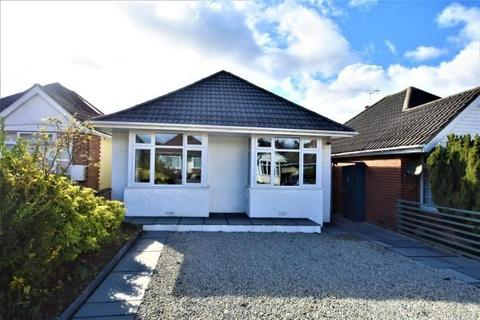 2 bedroom bungalow - Maldon Road, Southampton, Hampshire, SO19 7AE