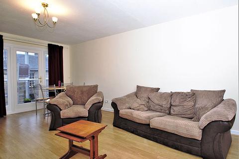 1 bedroom property to rent - 3/15 St Bernards Row