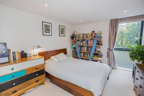 2 bedroom barn conversion to rent - Montclare Street, Shoreditch