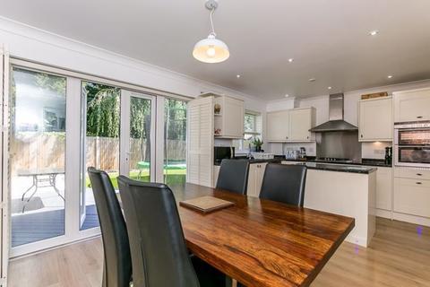 4 bedroom semi-detached house for sale - The Hemsleys, Pease Pottage