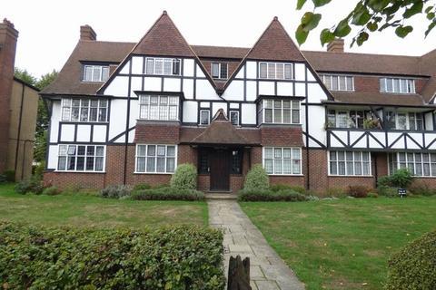 2 bedroom flat to rent - Links Road, West Acton