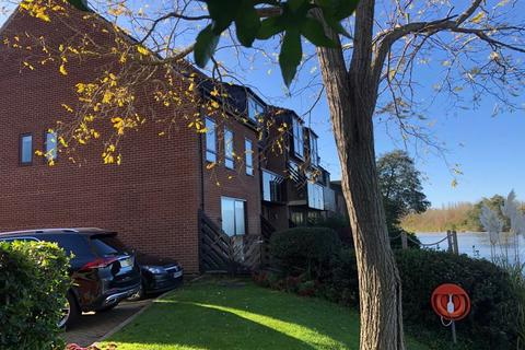 3 bedroom end of terrace house to rent - RIVERSIDE TEMPLE MILL ISLAND