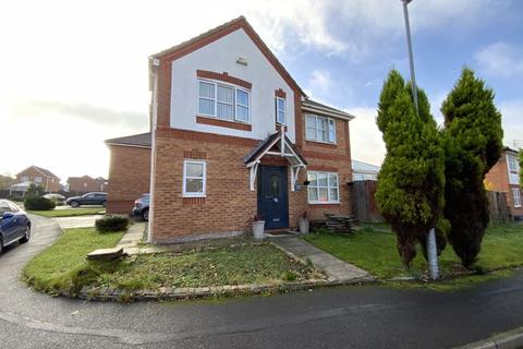 3 bedroom detached house for sale - North Way, Hyde, SK14