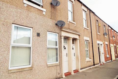 2 bedroom apartment - Howdon Road, North Shields