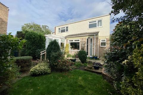 3 bedroom detached house - Boswells Drive, Chelmsford, CM2