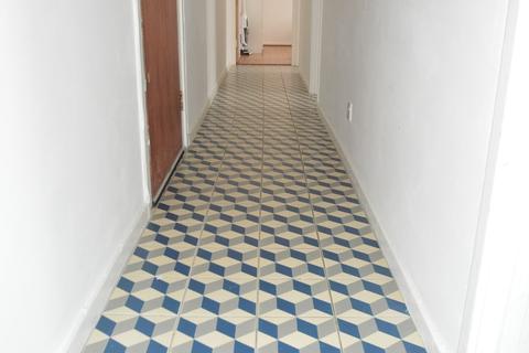 2 bedroom flat to rent - Homerton High Street, London, E9