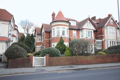 2 bedroom apartment to rent - 2 Percy Road, Boscombe Spa, Bournemouth