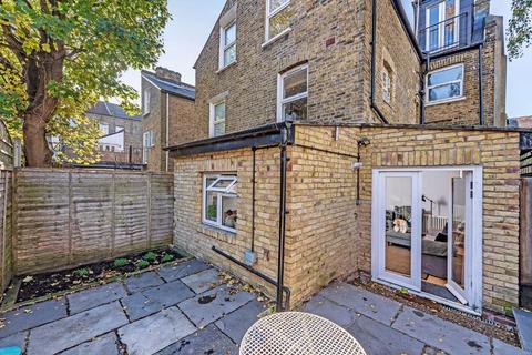 2 bedroom flat - Corrance Road, Brixton, London