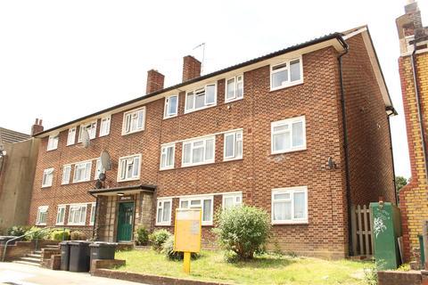 3 bedroom flat - Wightman Road, London