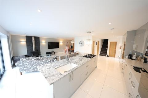4 bedroom detached house for sale - Lambwath Lane, New Ellerby, Hull