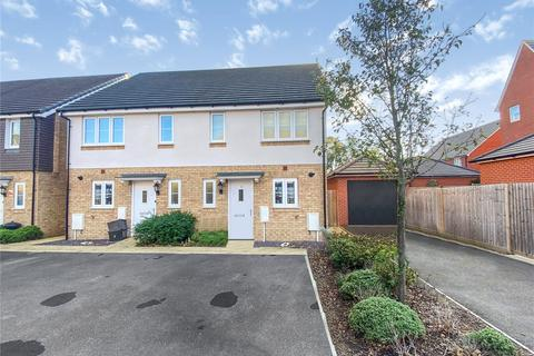 3 bedroom semi-detached house for sale - Beales Grove, Shinfield, Reading, RG2