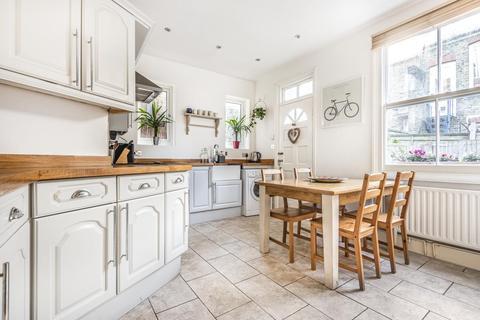 2 bedroom maisonette - Doverfield Road, Brixton