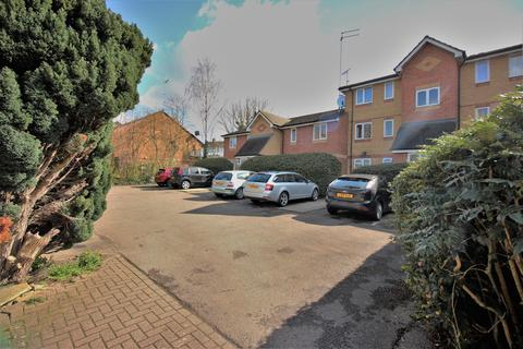 2 bedroom flat to rent - Shortlands Close, Belvedere, Kent, DA17 5QY