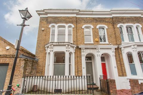 3 bedroom end of terrace house for sale - Lichfield Road, E3