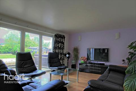 3 bedroom semi-detached house for sale - York Road, Maidstone