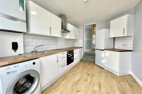 2 bedroom apartment to rent - Brownlow Road, London, N11