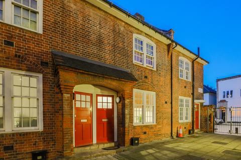 2 bedroom semi-detached house to rent - Bartlett Mews, London, E14