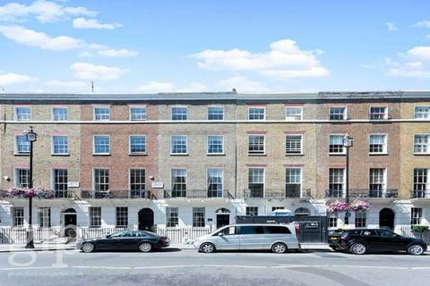 6 bedroom townhouse - Connaught Square, Hyde Park, W2