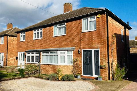 3 bedroom semi-detached house for sale - Brightside Avenue, Staines, Surrey, TW18