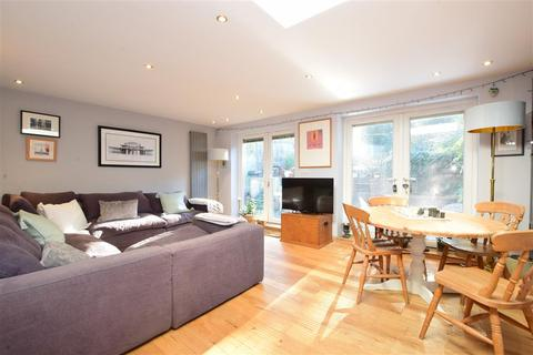 4 bedroom semi-detached house for sale - Pearson Road, Arundel, West Sussex