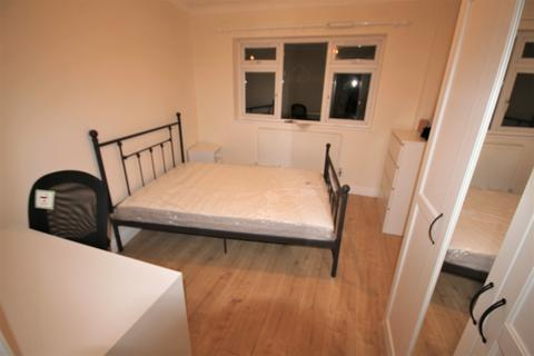 1 bedroom house share - South Lane, New Malden, London KT3