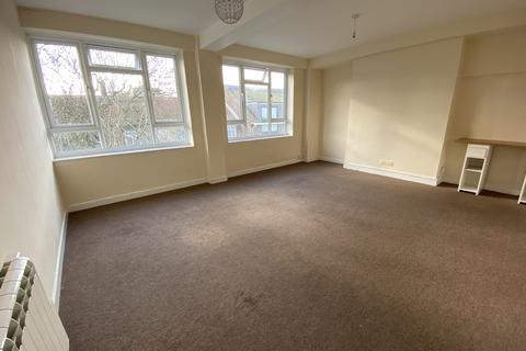 2 bedroom apartment to rent - Terminus Road, Eastbourne BN21