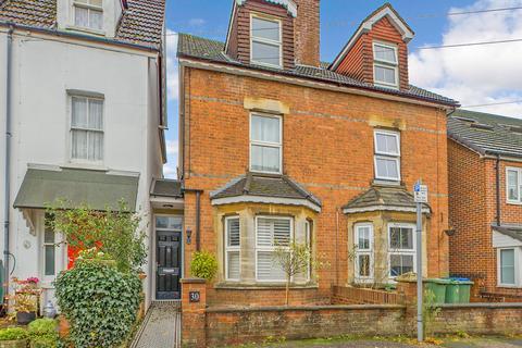 3 bedroom semi-detached house for sale - Denne Parade, Horsham