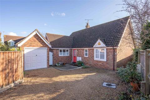 3 bedroom detached bungalow for sale - Saunders Close, Elsenham, Essex, CM22
