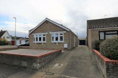 2 bedroom detached bungalow for sale - Speedwell Close, Pakefield