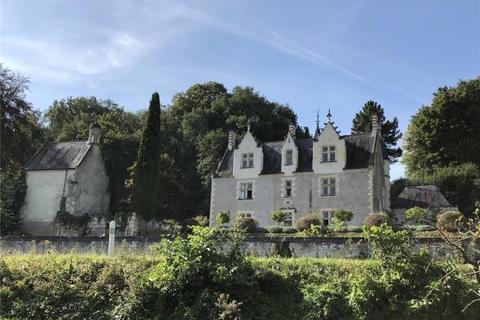 8 bedroom house - Gennes Val de Loire, Maine Et Loire, France
