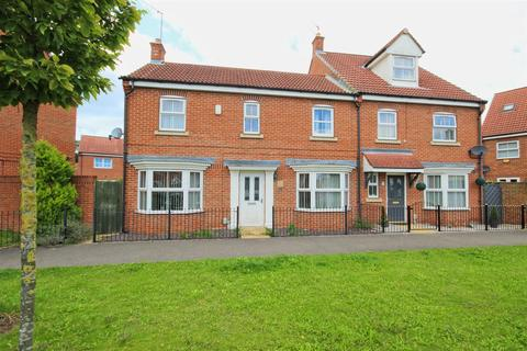 3 bedroom house for sale - Shinewater Park, Kingswood, Hull