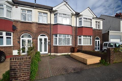 3 bedroom terraced house for sale - Sturdee Avenue, Gillingham, ME7