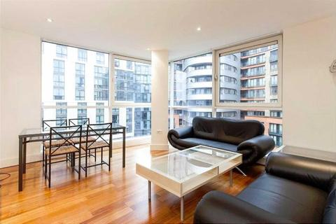 3 bedroom apartment to rent - Praed Street