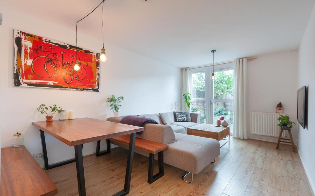 1 Bedroom Flat for sale in CLAPHAM PARK ROAD, SW4