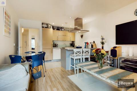 1 bedroom apartment for sale - George Hudson Tower, 28 High Street, London, E15