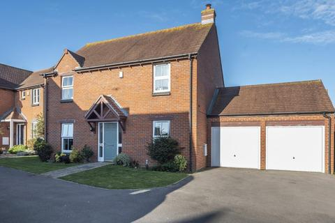 4 bedroom detached house for sale - Robinson Close, Selsey, PO20