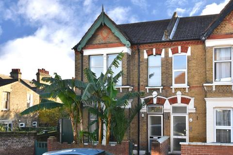 3 bedroom semi-detached house to rent - Agnew Road, London