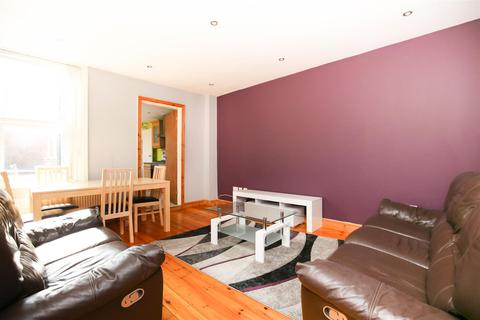 2 bedroom flat to rent - Warwick Street , Heaton , NE6