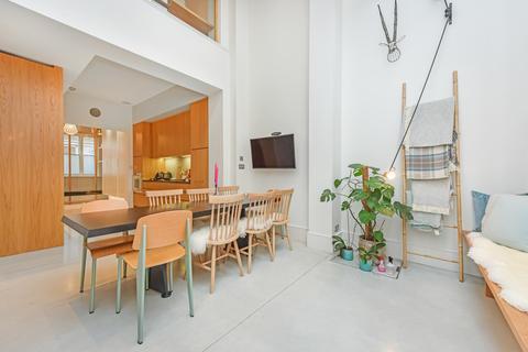 3 bedroom townhouse for sale - Princelet Street, London, E1