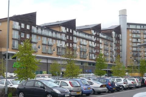 2 bedroom flat to rent - camellia House, Feltham